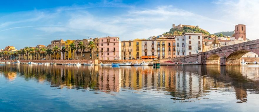 An Immersive Italian Tour to Florence, Cinque Terre & Sardinia
