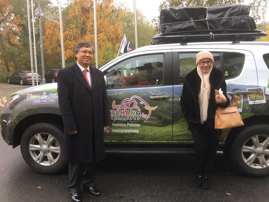 Successfully managed group of Ministers of Tourism Malaysia, ( Malaysia to London by car expedition )